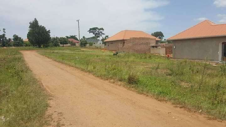 Cheap plots of land with ready land titles in organised estates 0