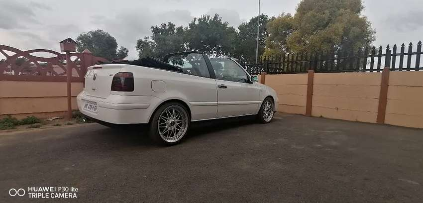 I'm looking for a golf 3. 5 cabriolet clean car 0