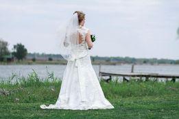 СРОЧНО! Свадебное платье 38-42 размер в отличном состоянии