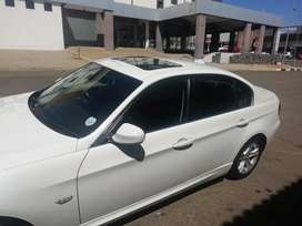 Bargain BMW 323i in mint condition for sale