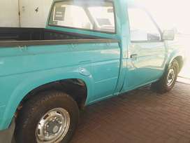 This bakkie has a full service history 1998 model