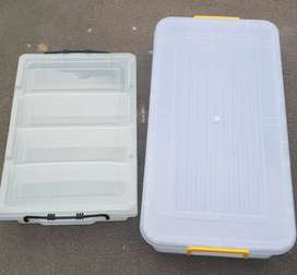 Storage containers URGENT SALE CASH ONLY