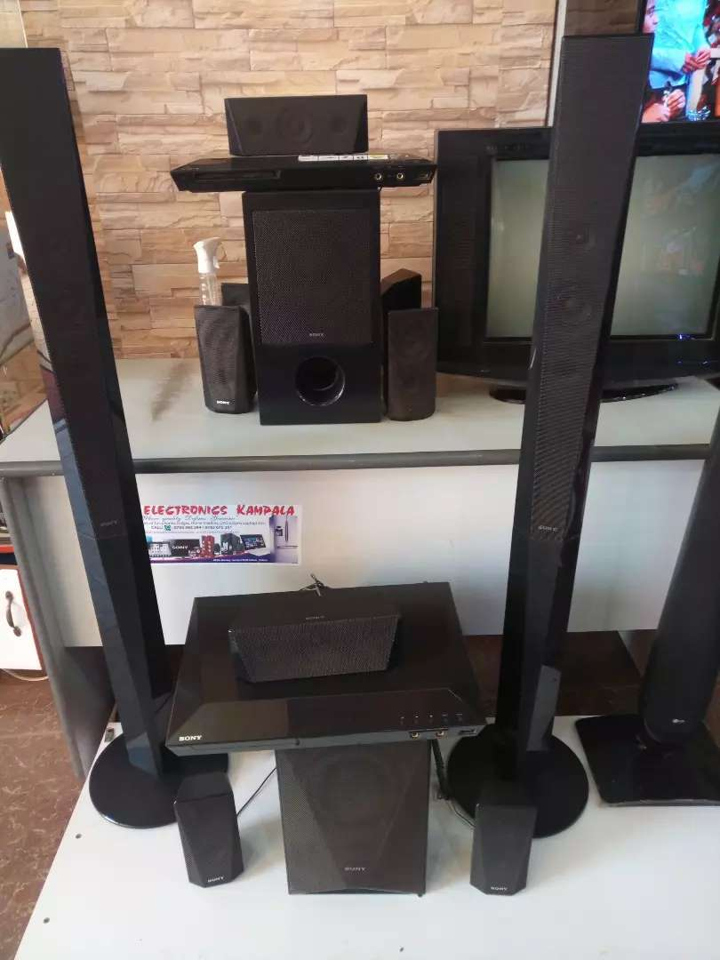 1500 Sony home theatre system with built-in Bluetooth, HDMI ports 0