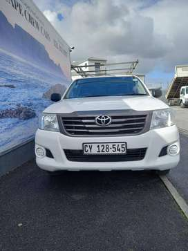 2016 Toyota Hilux S/C with Canopy