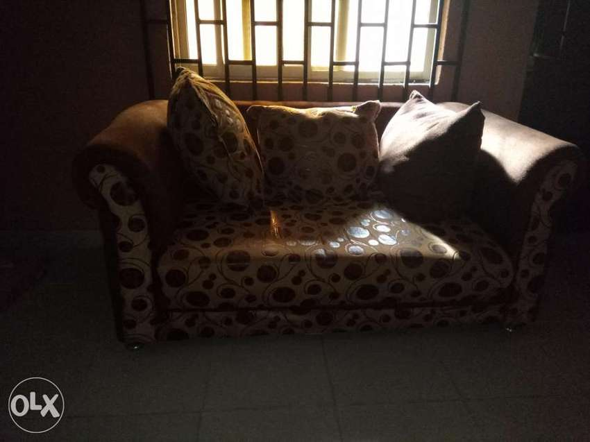 Neatly used complete set of furniture(pillow pillow) 0