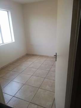 Female only room available in a 2 bedroom flat fleurhoff extension 2