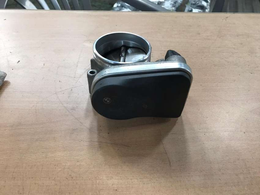 BMW E90 325i N52 throttle body for sale 0