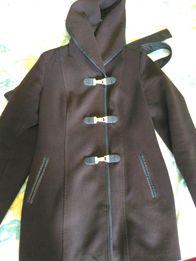 Продам пальто демисезонное женское.