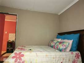one bedroom cottage at crystal park available