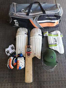 Youth cricket items with bag