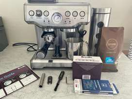 Breville coffee machine used , very good condition.