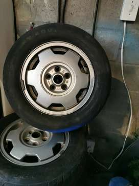 Set of 5 wheels
