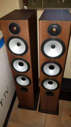 Monitor Audio complete 5.1 set. Immaculate Condition
