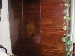 Старинный шкаф..
