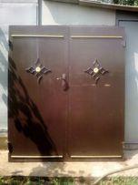 Продам двустворчатые металлические двери