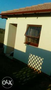 Image of Well maintained & secured 2 bed 1 bath for rental in midrand