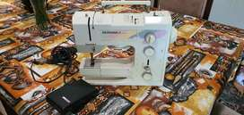 Bernina sewing machine 1005