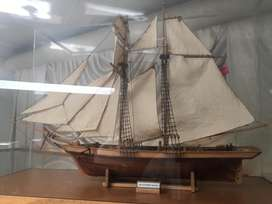 Professionally built Ladysmith Steam trawler by Constructo in glass sh