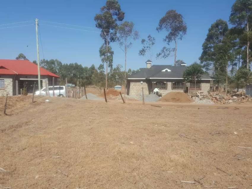 1/4 plot for sale royalton along eldoret nairobi road 0