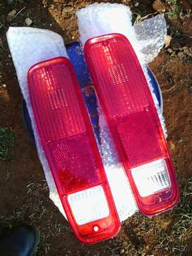 Ford F100/F250/F350 tail light lens replacement