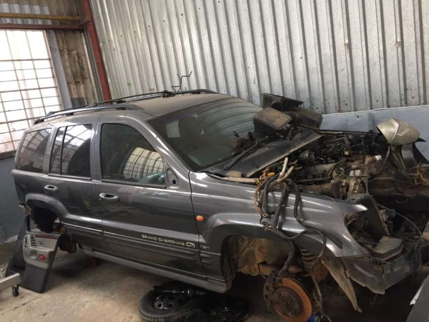 Jeep grand cherokee 4.7 v8 HO to sell as spares 0