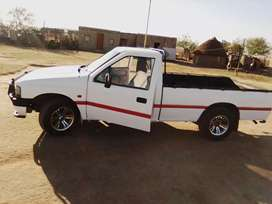 Sell Isuzu bakkie engine mazda