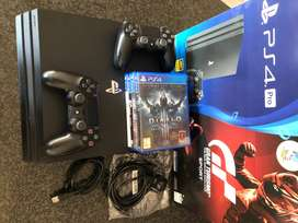 PS4 Pro & Extra V2 Remote & Games