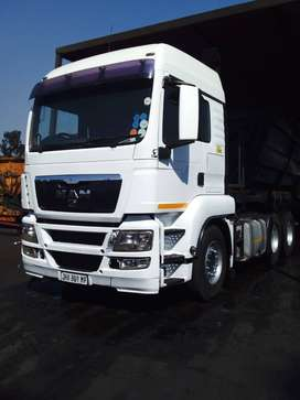 Side tipper Trucks for hire