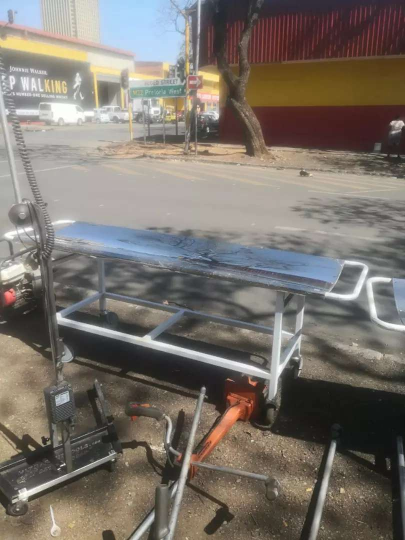 Hospital or clinic stretcher 0