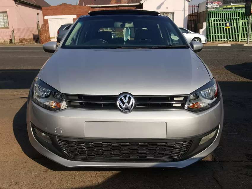 2014 Volkswagen polo 6 1.6 comfortline with leather seats and sunroof 0