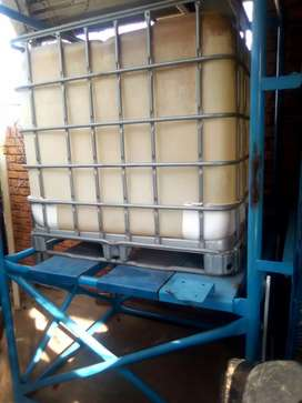 1000l water tank incl pumps, taps