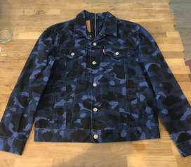 LEVIS X BAPE SPLIT TRUCKER JACKET