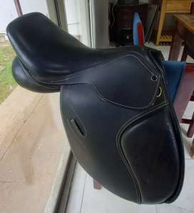 NEW Jumping Saddle 17,5 inch REDUCED