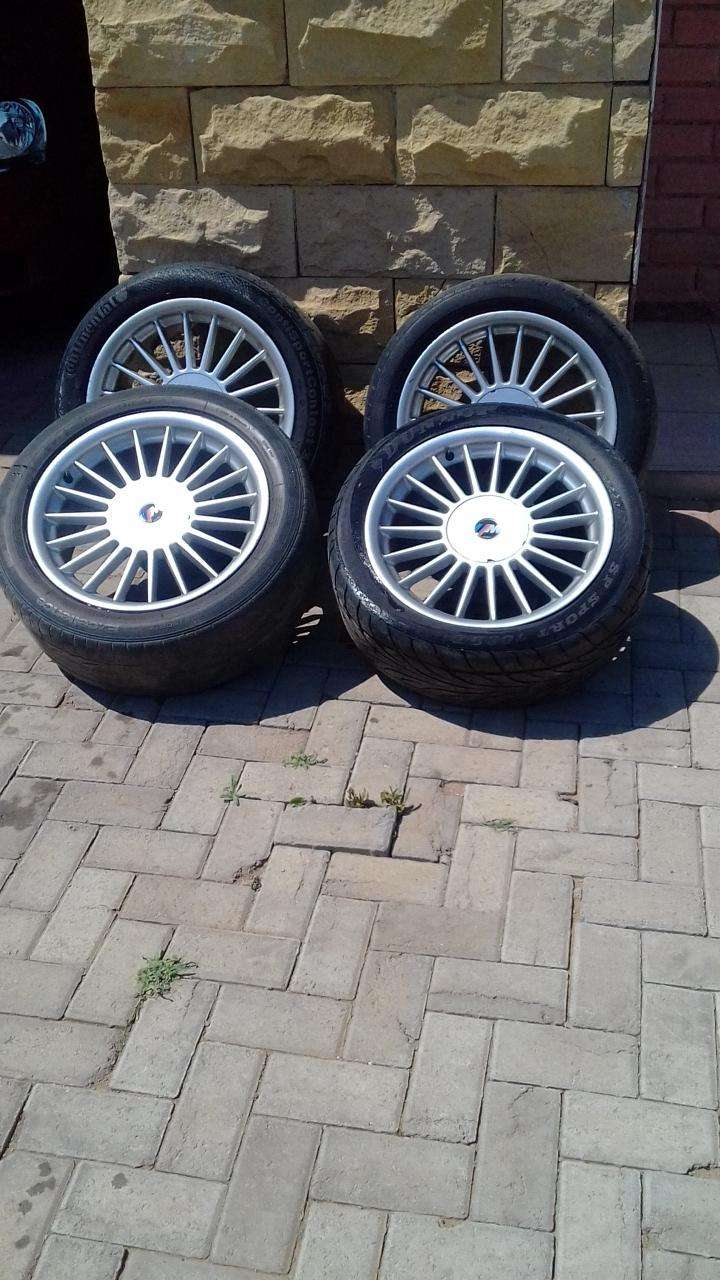 im selling motorsport rims in good condition for a reasonable price 0
