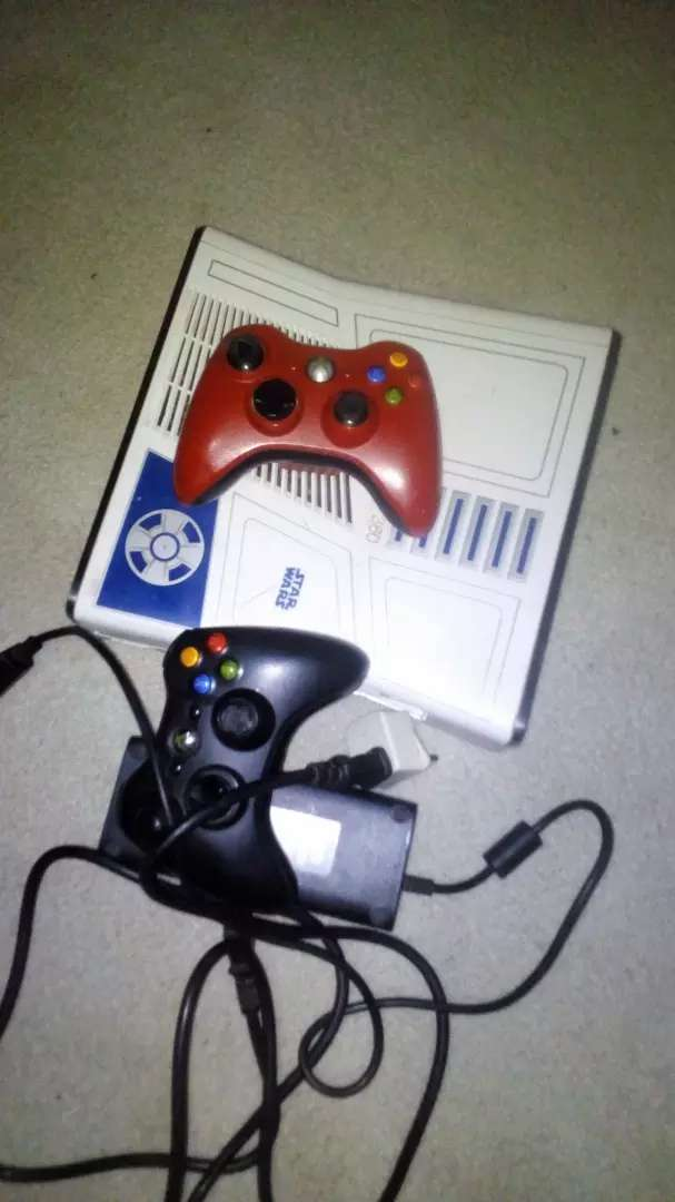 Xbox360 comes with wireless pads 350gb and 18installed games 0