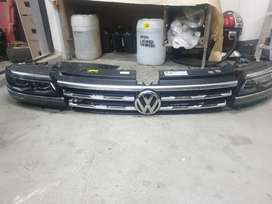 2019 vw Tiguan Rline tsi headlights with grill