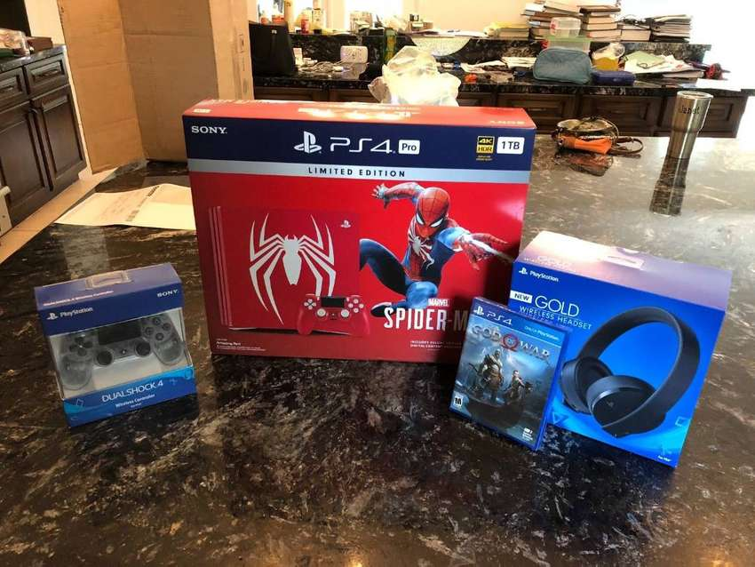 Sony Ps4 pro 1tb spiderman edt w/2 controllers & headset 0
