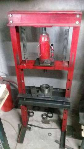 BUSINESS FOR SALE WITH EQUIPMENT TOOLS & STOCK.