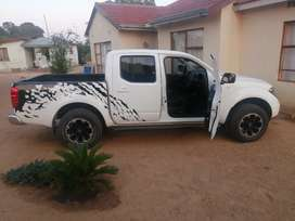 Nissan Navara Double cab diesel engine with service and motor plan