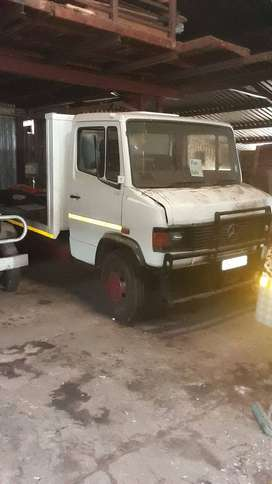 Mercedes 4 ton truck for sale