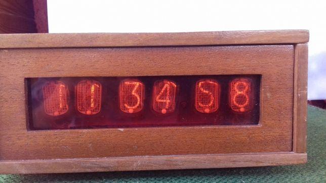 Часы на лампах ИН 12Б
