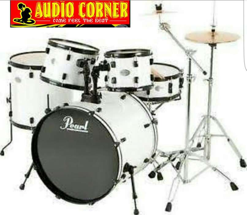 Pearl drum set 7piece New 0
