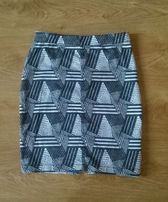 Spódnica ołówkowa aztec H&M czarno biała