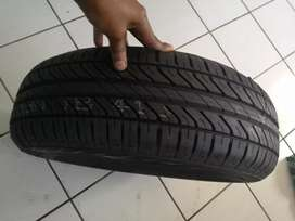 One tyre size 186/65R15 Dunlop price R730