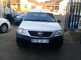 2015 Nissan Np200 1.6i bakkie with Canopy