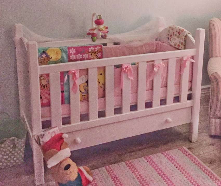 Baby Cot - White Cot Multi level with Mattress 0
