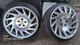 17 inch Vossen rims and tyres R10000
