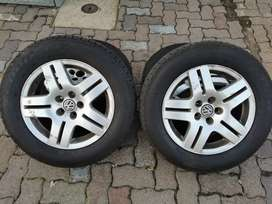 """Quick Pre-owned Sale: 15"""" Vw Oem Rims with Practically New Tyres"""