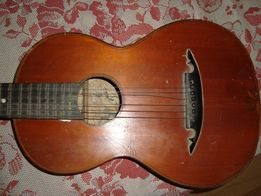 Акустическая гитара старинная