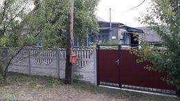 Будинок з присадибною ділянкою